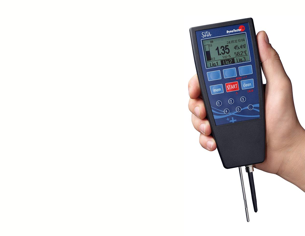 SITA Bubble Tensiometer DynoTester Plus hand